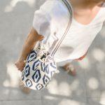 crochet-bucket-bag-mochila-blue-and-white--ikat-pattern